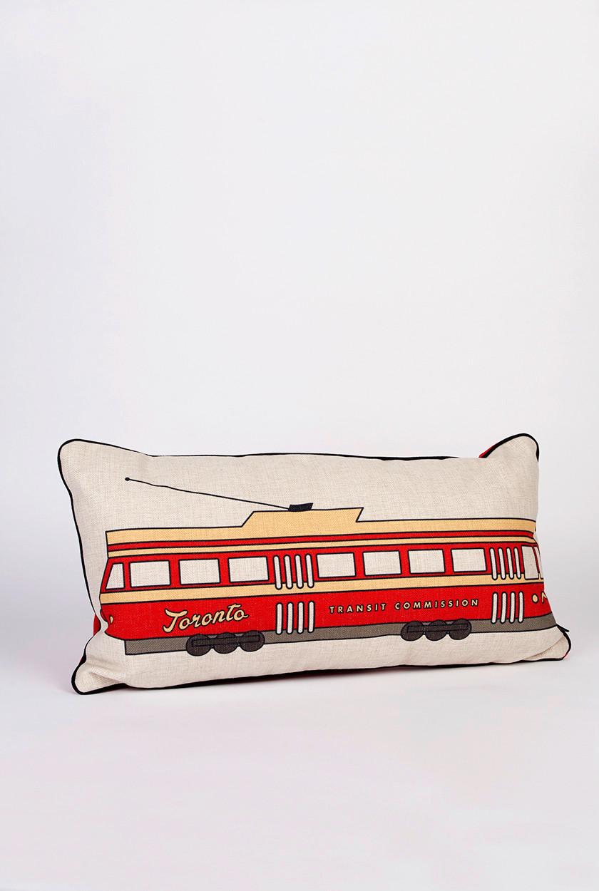 Cliquez ici pour acheter Awesome Toronto Streetcar Pillow!