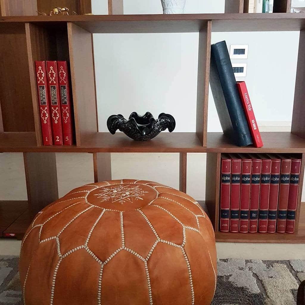 Cliquez ici pour acheter Tan Moroccan Leather Pouf