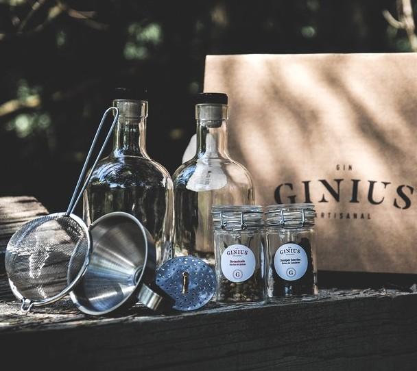Cliquez ici pour acheter DIY Gin Kit – Make your own gin!