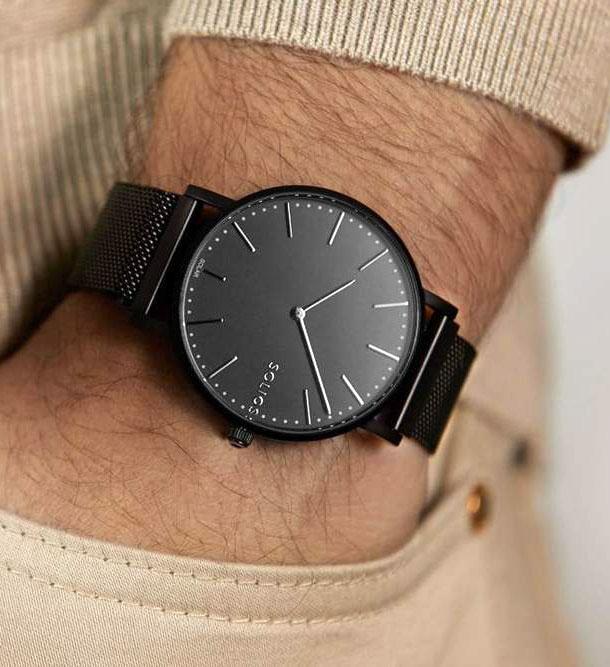 Cliquez ici pour acheter Solar watch – Solar Black | Black Mesh